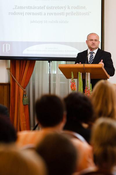 podpredseda vlády a minister práce, sociálnych vecí a rodiny SR, Jozef Mihál