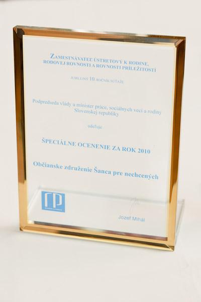 pamätná plaketa pre ocenených zamestnávateľov