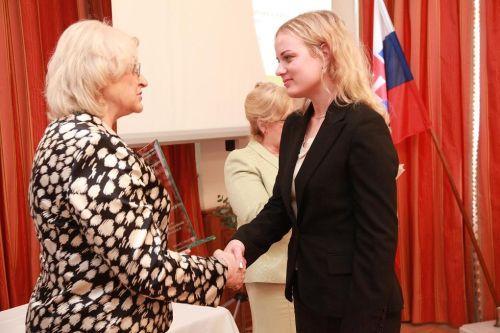 Špeciálne ocenenie - AV Mobilita, spol. s r.o., chránená dielňa, ocenenie prevzala Ivona Valušková - konateľka spoločnosti