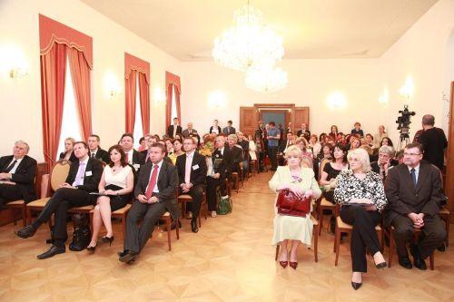 Účastníci konferencie a slávnostného udeľovania cien v Miestodržiteľskom paláci