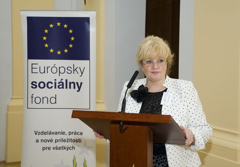 štátna tajomníčka ministerstva práce, sociálnych vecí a rodiny Slovenskej Republiky Emília Kršíková